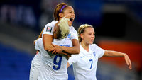 England women's footballers celebrate (Getty Images)