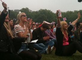 Royal Wedding: crowds cheer in Hyde Park.