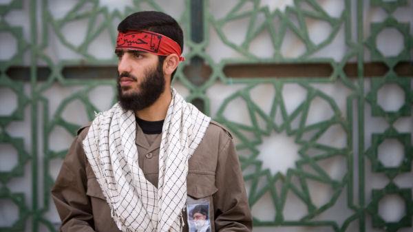 iran_basij_headband_r_600x337_A11.jpg