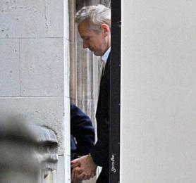 WikiLeaks' Julian Assange awaits bail hearing