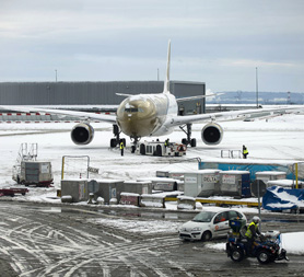 Planes caught up in the snow. (Getty)