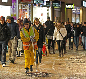 UK snow: bad weather in Britain is costing the economy £1.2bn a day, according to the RSA (Image: Reuters)