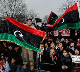 Libya violence: hundreds dead as minister resigns