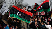 Libya violence: hundreds dead as minister resigns