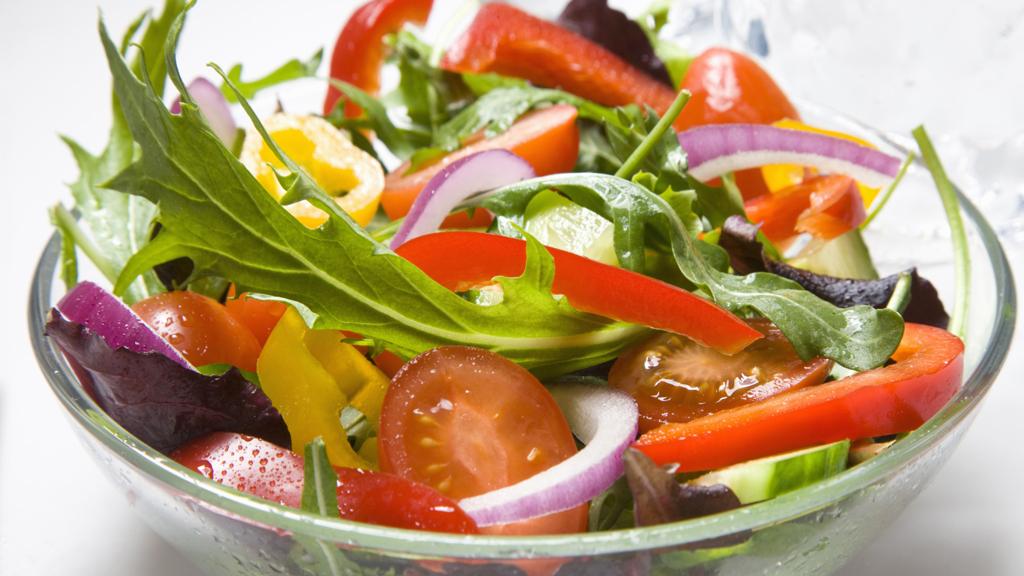 24_Salad_g_w.jpg