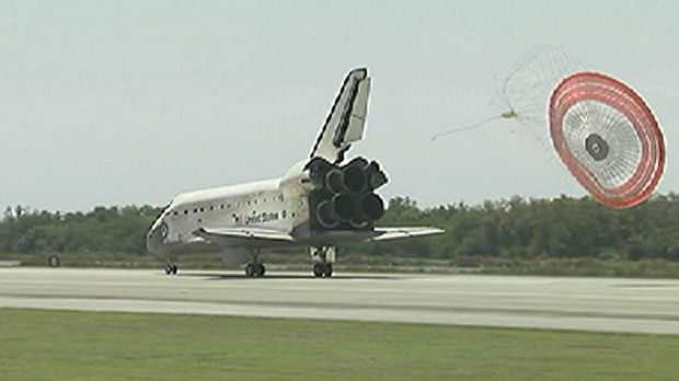 Discovery lands after final space mission