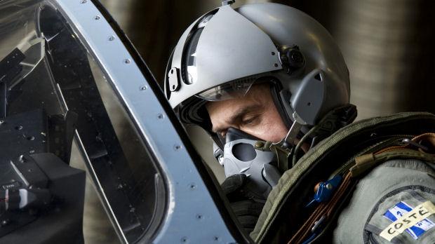 Libya: a pilot prepares for a mission to target Gaddafi's forces (Reuters)