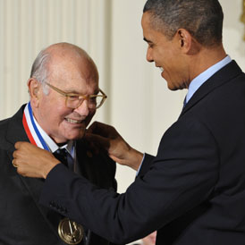 US President Barack Obama presents National Medal of Technology and Innovation to Harry Coover during a ceremony November 17, 2010 in the East Room of the White House in Washington (getty)