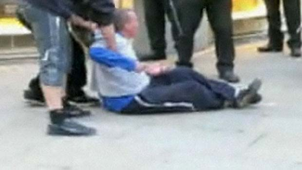 Ian Tomlinson 'not confrontational' at the G20 protests hears inquest.