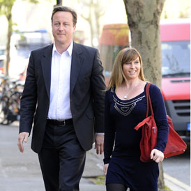 Brooke Kinsella campaigns against knife crime with David Cameron, April 2010 (Reuters)