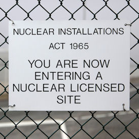Greenpeace slams Huhne's nuclear conclusions - Reuters
