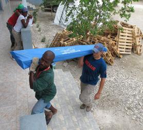 Medair team prepares for emergency shelters (Medair / Emma Le Beau)