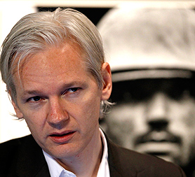 WikiLeaks founder Julian Assange to challenge Swedish prosecutor's call for an international arrest warrant to be issued (Image: Reuters)