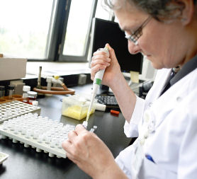 Scientists warn against new superbug threat