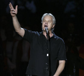 Actor Tim Robbins turns his hand to music (Reuters)
